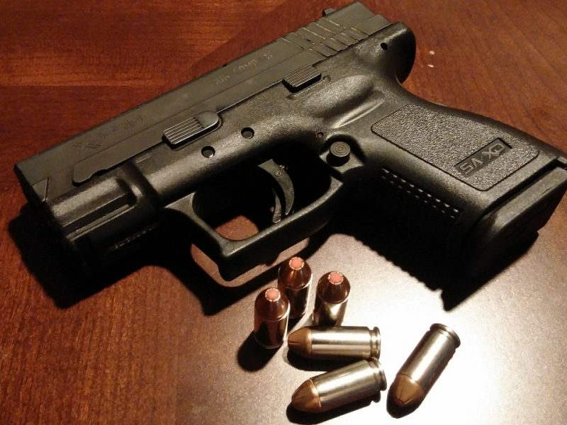 Lazdijų rajone vyras automobiliu vežė ginklą, nors jam leidimo neturėjo