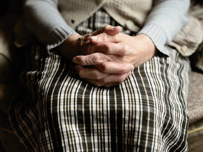 Vyriausybė ketina nepritarti 42 eurų išmokai vienišiems pensininkams