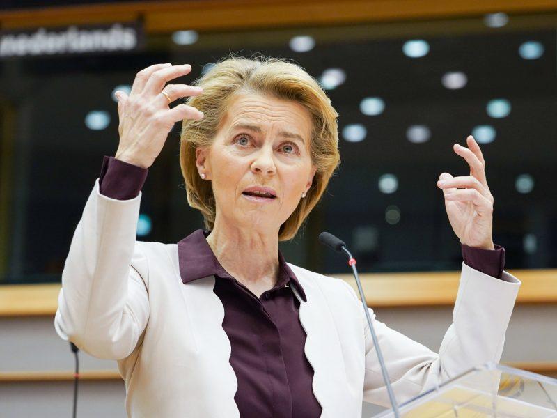 EK vadovė ginče su Lenkija stojo ginti LGBT teisių