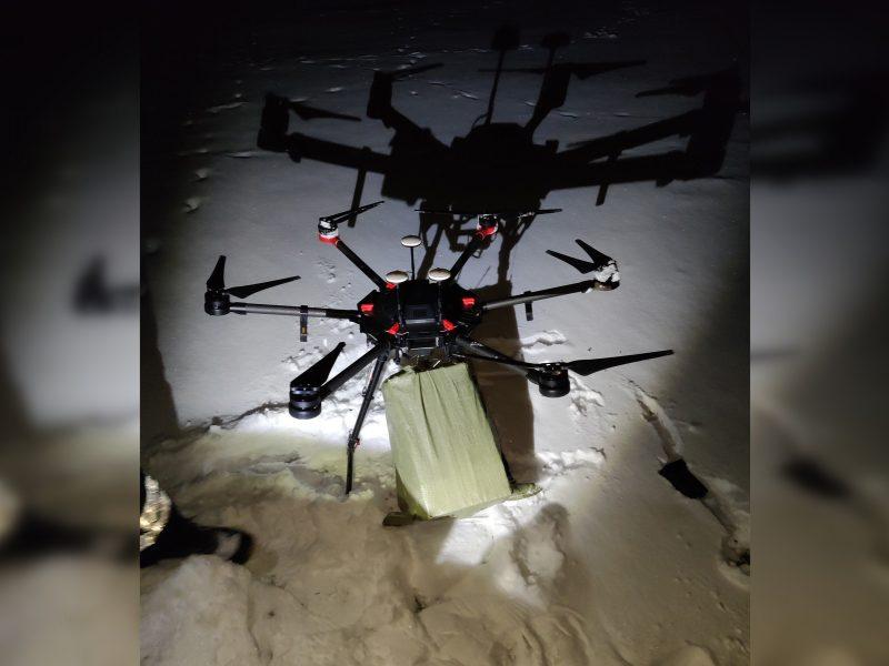 Pasieniečiai priverstinai nutupdė iš Baltarusijos cigarečių krovinį skraidinusį droną