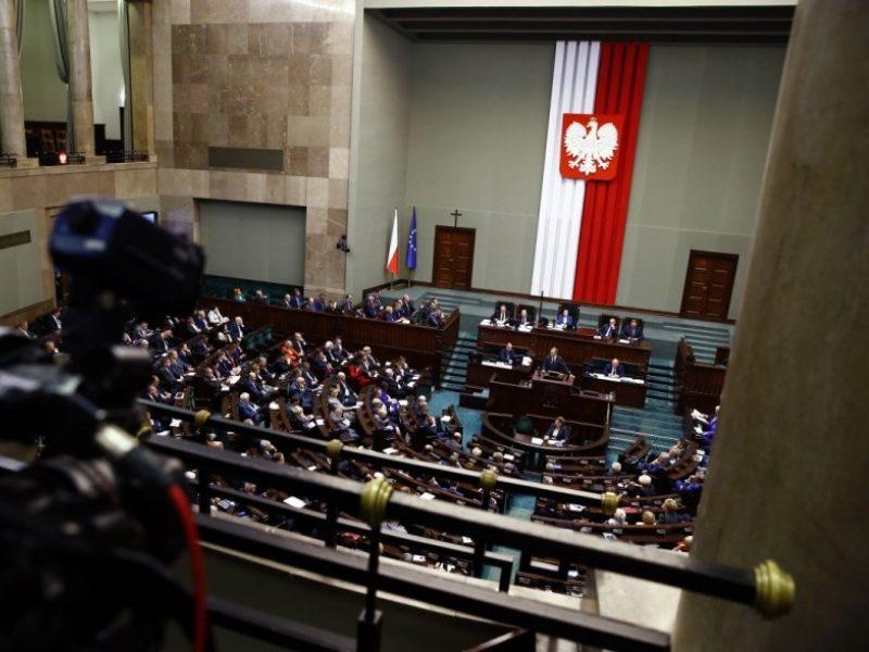 Lenkijos parlamentas daro pertrauką – sugrįš tik po rinkimų