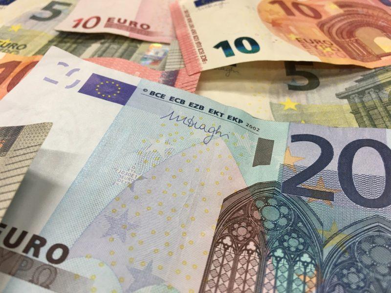 Sukčius iš moters apgaule išviliojo daugiau kaip 30 tūkst. eurų