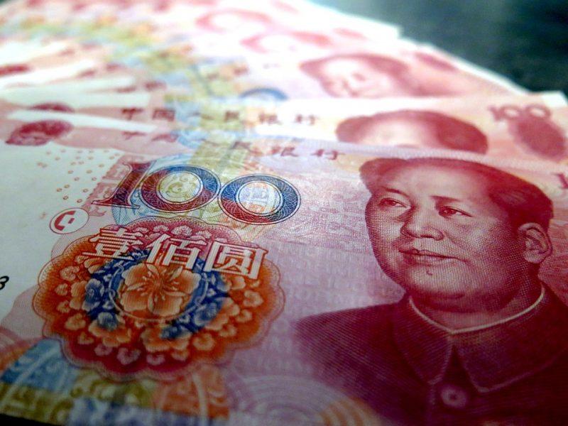 Aštrėjant JAV ir Kinijos prekybos ginčui, brangsta jena