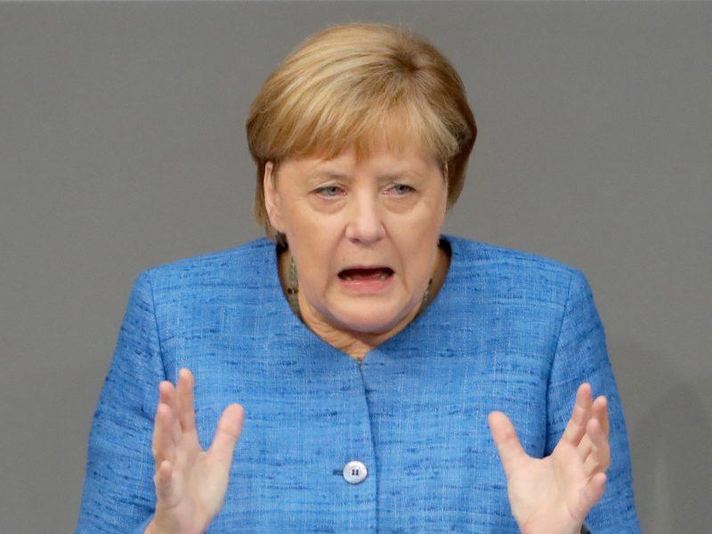 """A. Merkel prabilo apie galimybę įgyvendinti tvarkingą """"Brexitą"""""""