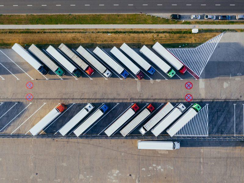 Per metus importas į Lietuvą sumažėjo daugiau nei trečdaliu