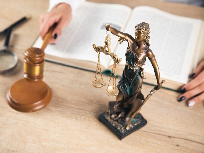 Siūlo Baudžiamojo kodekso straipsnį už neapykantos nusikaltimus pildyti naujais kriterijais