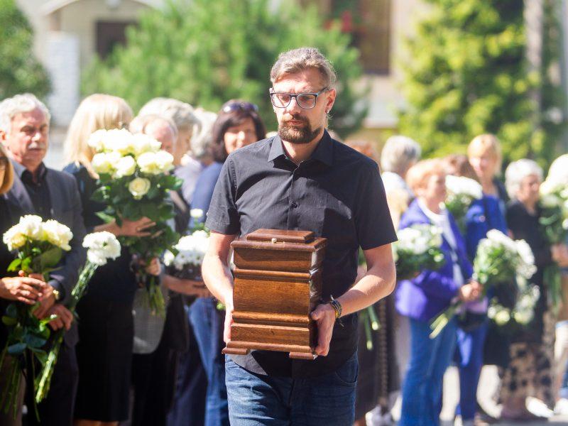 Aktoriaus R. Karvelio laidotuvės