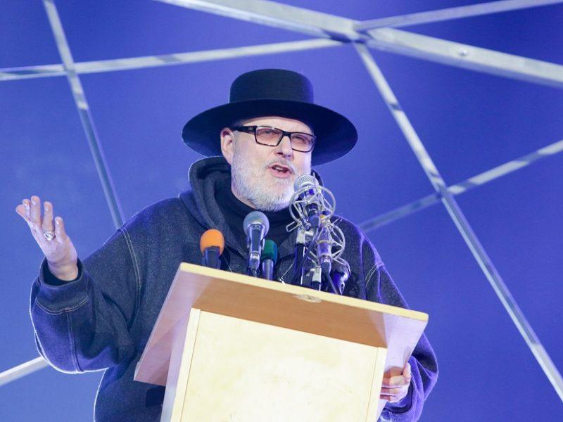 V. Stakėnas: skrybėlė be papuošimo – kaip pirma naktis be nuotakos
