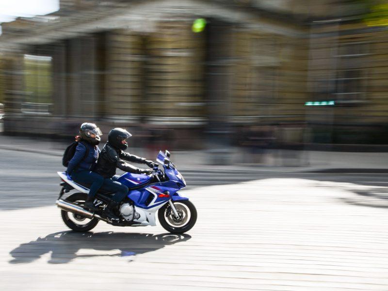 Vilniuje per avariją sužalotas motociklininkas, jis gydomas ligoninėje