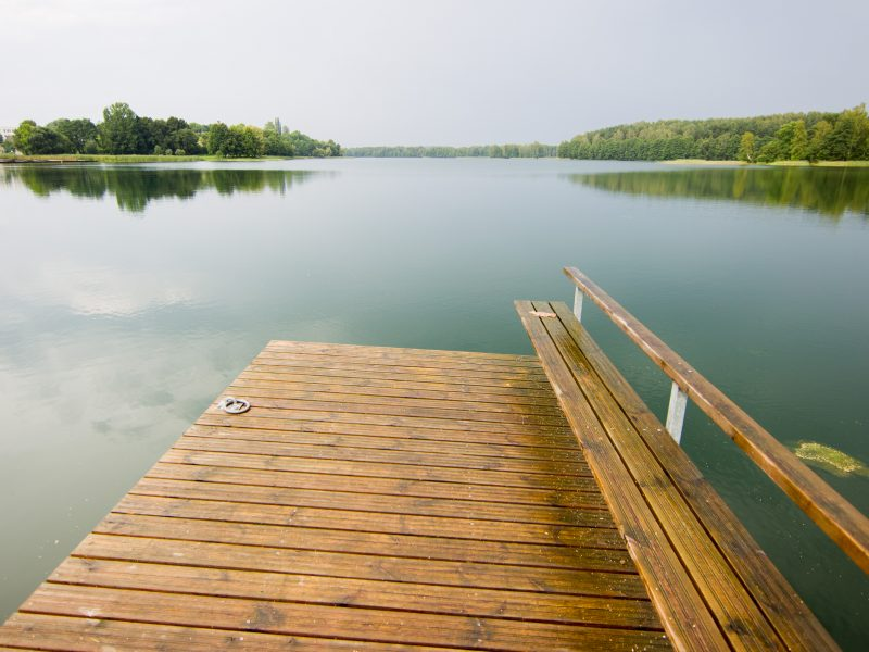 Apsilankymas prie ežero apkarto: sulaukė draudimo maudytis ir spjūvių į veidą