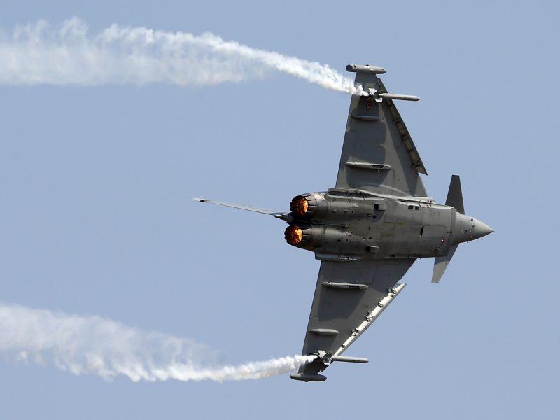 NATO naikintuvai du kartus kilo lydėti rusų orlaivių