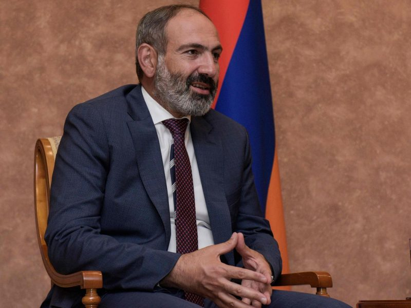 Armėnija paragino Azerbaidžaną išlaisvinti visus karo Kalnų Karabache belaisvius