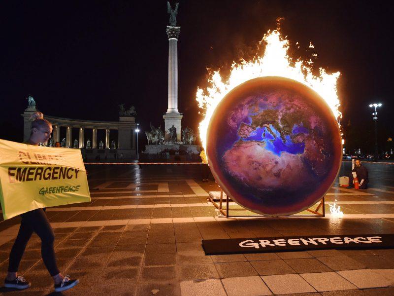 Mokslininkai: Žemė įšils sparčiau, nei tikėtasi