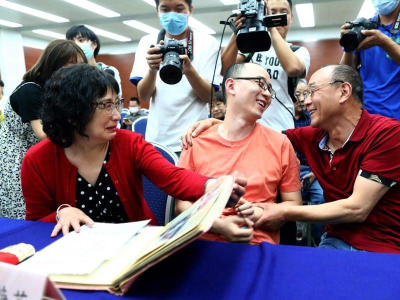 Kinas savo biologinius tėvus pamatė praėjus 30 metų po pagrobimo