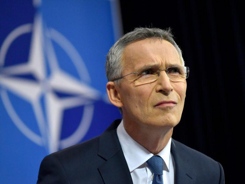 J. Stoltenbergas ragina Turkiją elgtis santūriai Sirijoje