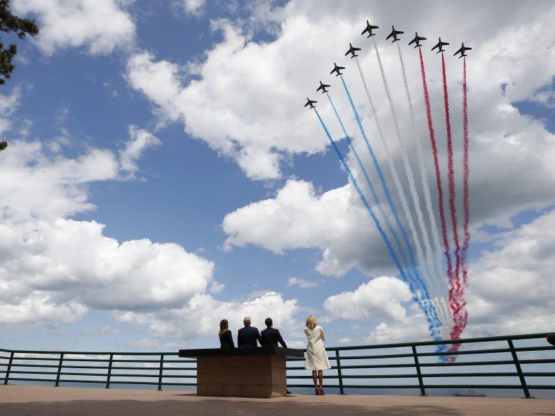 Pasaulio lyderiai paplūdimiuose mini Normandijos operacijos 75-ąsias metines