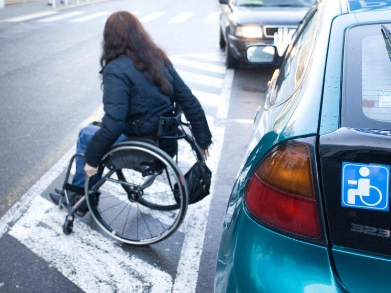 Ministerija žada gerinti neįgaliųjų patekimą į medicinos įstaigas