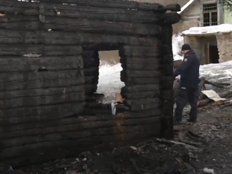 Vilniaus rajone liepsnos talžė gyvenamąjį namą, žuvo moteris