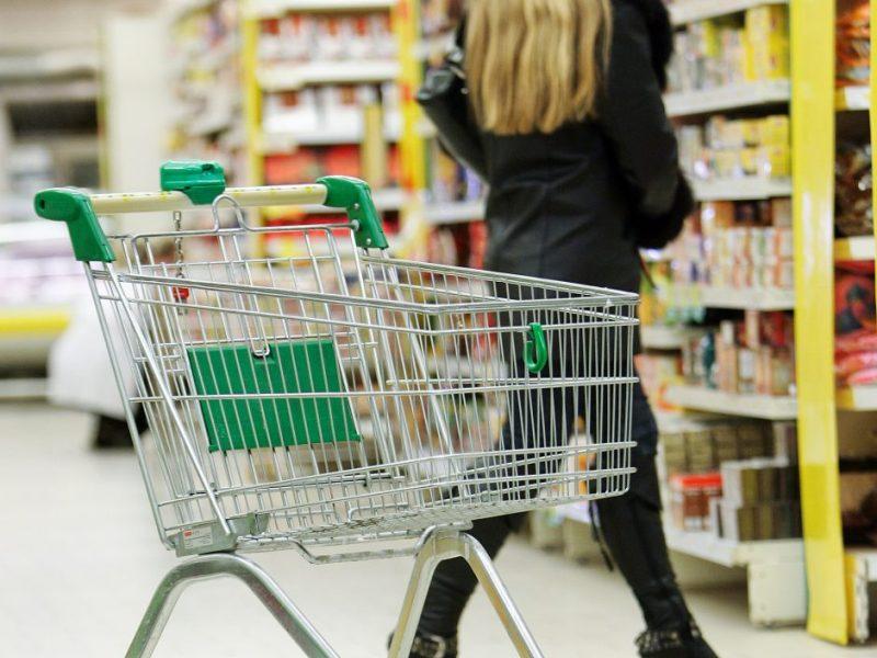 Prieš teismą stos iš parduotuvės 20 tūkst. eurų pavogę bendrininkai
