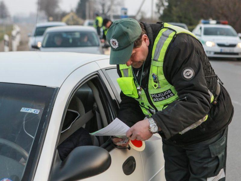 Klaipėdos gatvėmis važinėjo girtas ir teisių neturintis vairuotojas