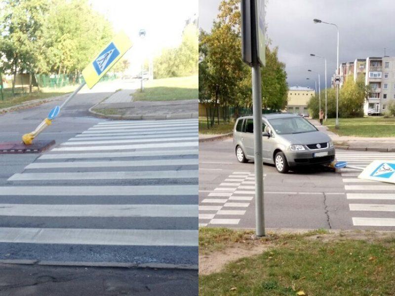 Pėsčiųjų perėjos ženklas vėl užkliuvo vairuotojams: miestas ketina spręsti situaciją
