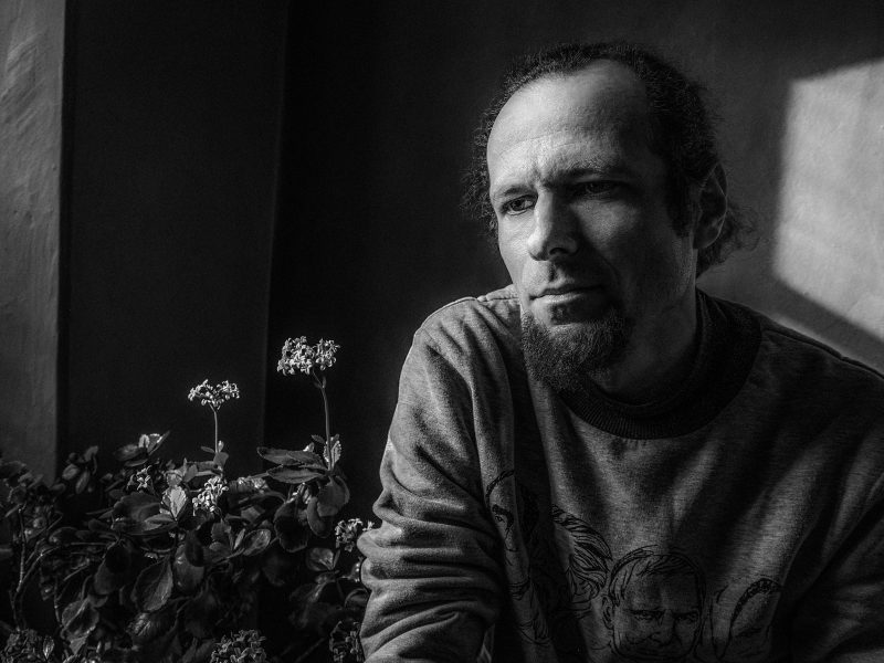 Poetas M. Burokas: išmokti pasiversti nematomu