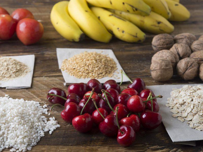 Miego ir maisto harmonija: ką valgyti, kad pabustume pailsėję?
