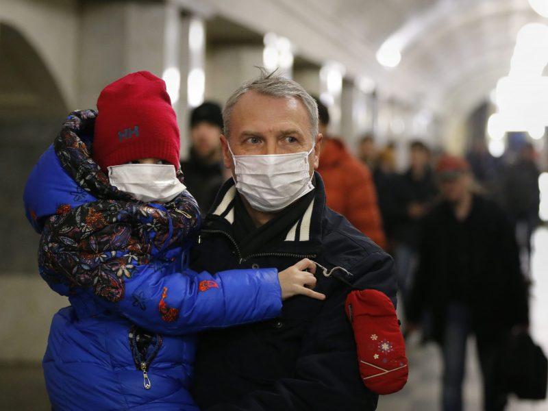 SAM: pajutę peršalimo simptomus vaikai turi likti namie