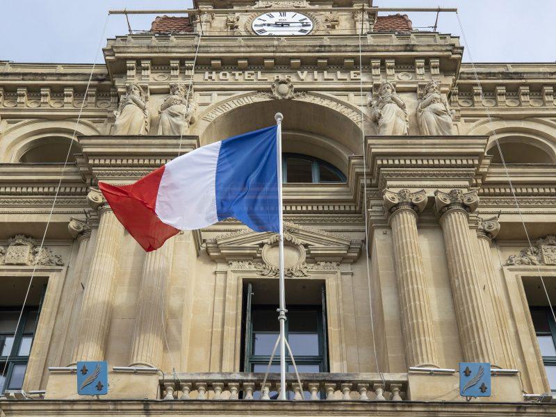 Prancūzijoje kitą mėnesį vyks atidėtas vietos valdžios rinkimų antras turas