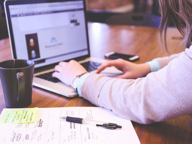 Per tris mėnesius – 356 pranešimai apie neteisėtą ar žalingą turinį internete
