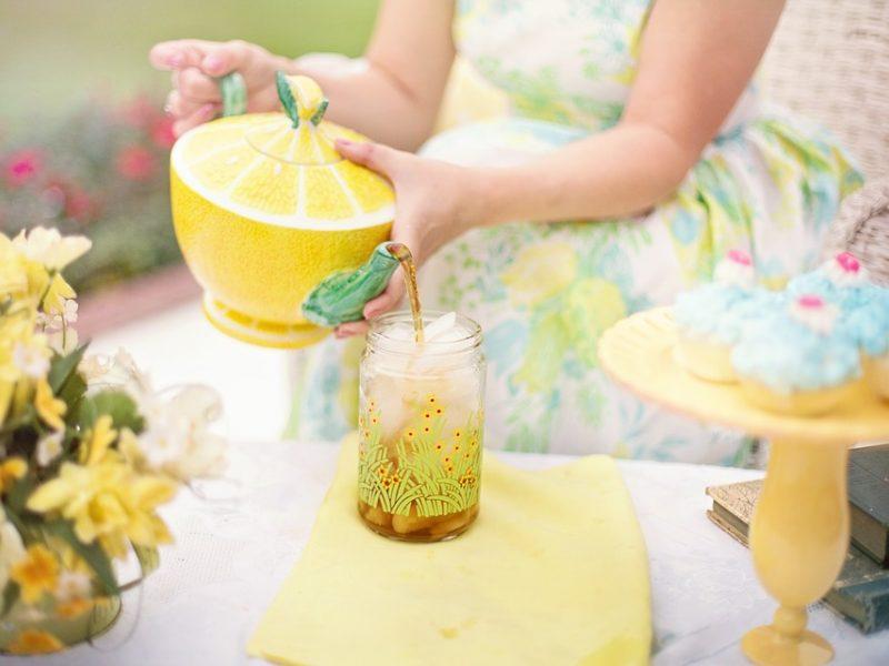 Atgaiva karštą dieną: namų gamybos šalta arbata