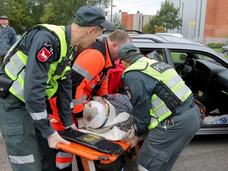 Tragiška nelaimė Panevėžyje: mirė ant kelio su praskelta galva rastas vyras