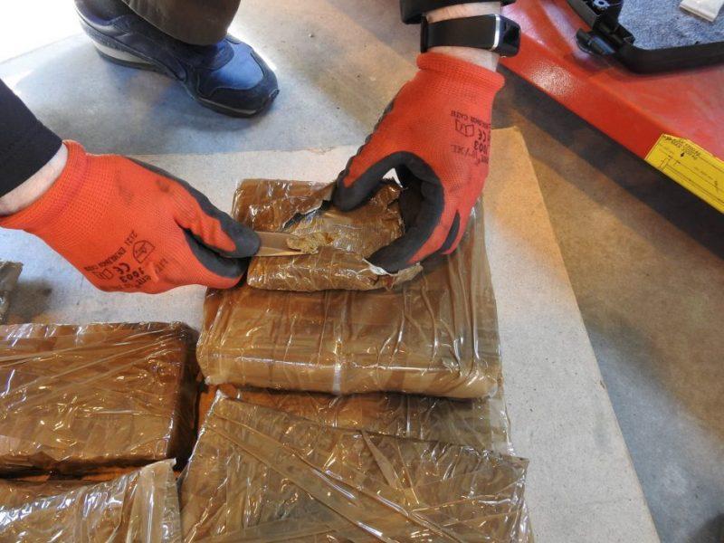 """Maroko pareigūnų """"laimikis"""": konfiskavo daugiau kaip 27 tonas hašišo"""