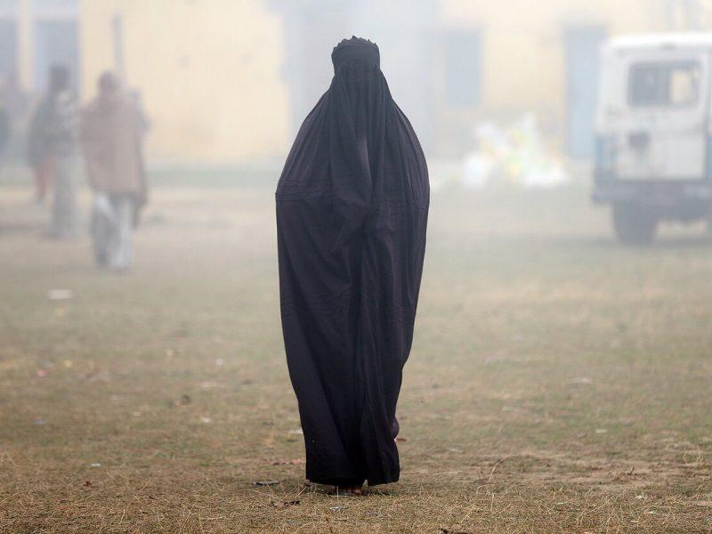 Šri Lankos gyventojams uždrausta dėvėti veidą dengiančius drabužius