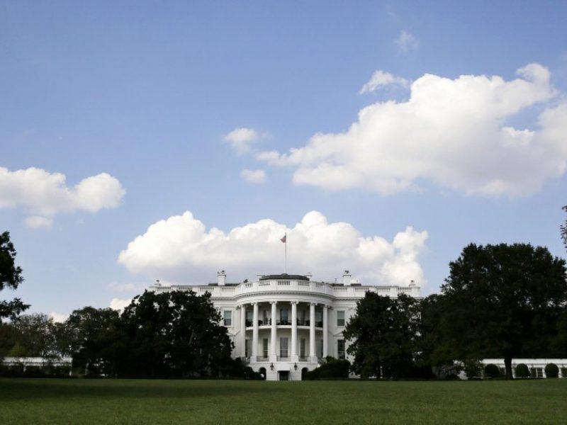 Baltieji rūmai rengia oficialų prieštaravimą apkaltos tyrimui