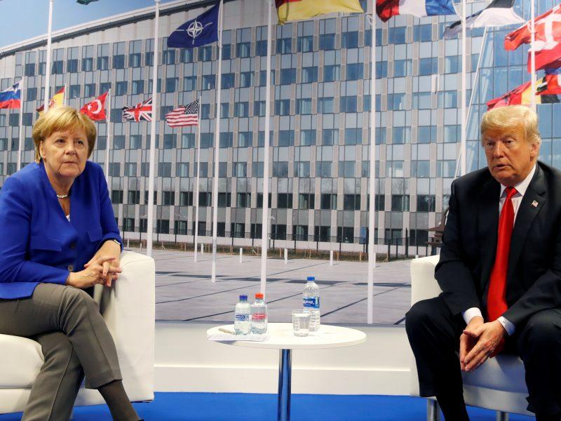 Su A. Merkel susitikęs D. Trumpas: santykiai su Vokietija – nuostabūs