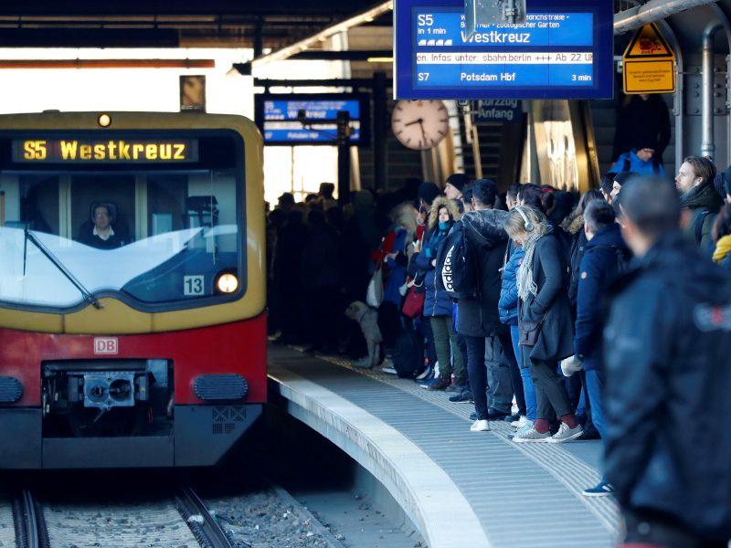 Sustojo Berlyno viešojo transporto sistema: 14 tūkst. darbuotojų pradėjo streiką