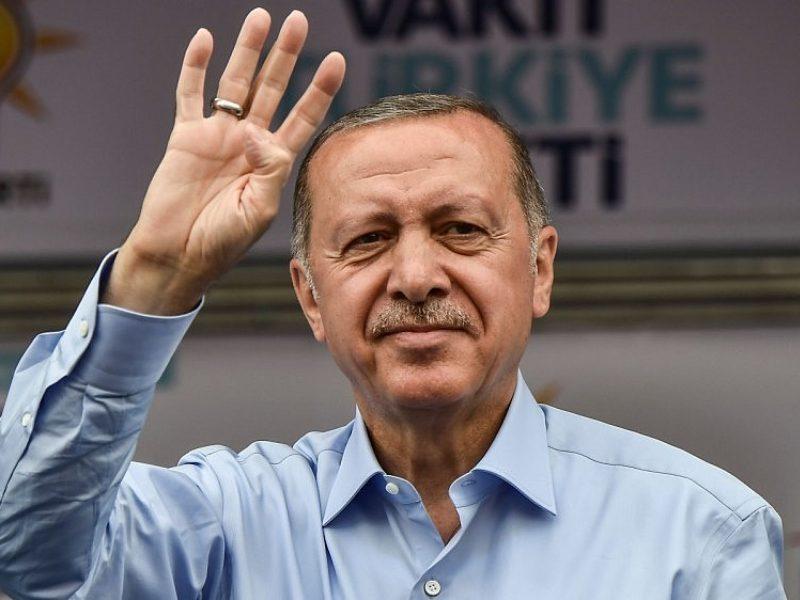 Turkijos ekonomikai – sunkūs laikai: problemų pridarė pats R. T. Erdoganas
