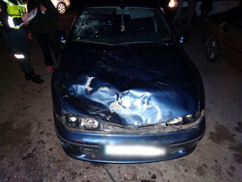 Klaipėdoje – užburtas ratas: girtas vairuotojas apgadino stovinčius automobilius