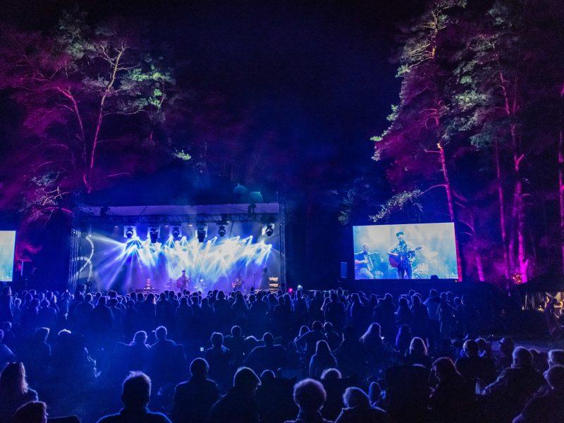 """Ruoškit gitaras ir palapines – festivalis """"Purpurinis vakaras"""" jau suplanuotas"""