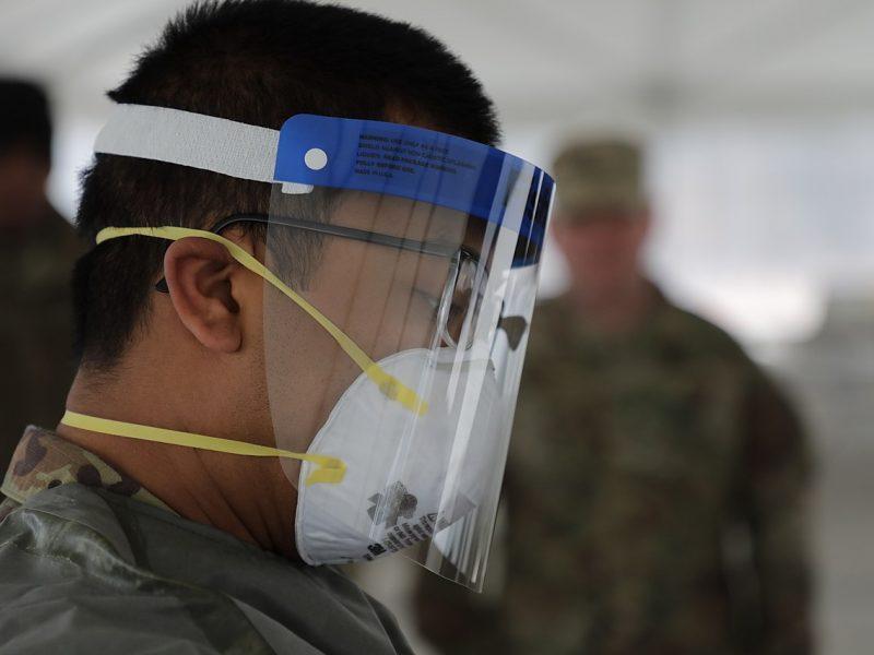 Skydelis geriau nei kaukė? Mokslininkai teigia, kad ši priemonė turi žymių privalumų
