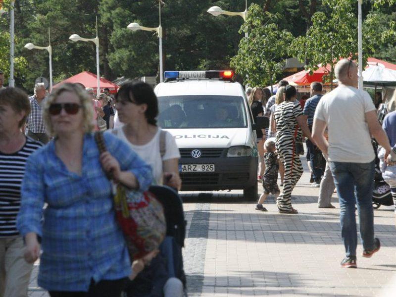 Kodėl Palangoje leista ilsėtis tūkstančiams, o į renginius įleidžiami tik 300 žmonių?