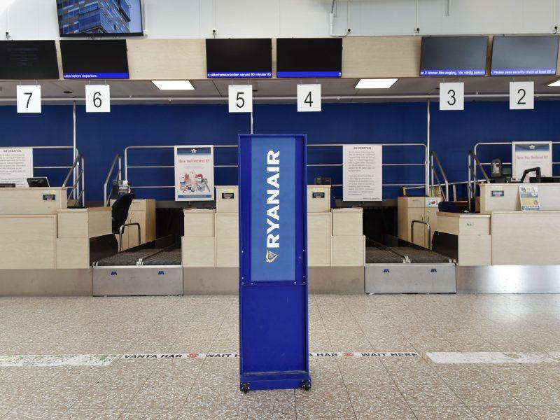 """Vokietijos profesinė sąjunga susitarė su """"Ryanair"""" dėl įgulos narių atlyginimų"""
