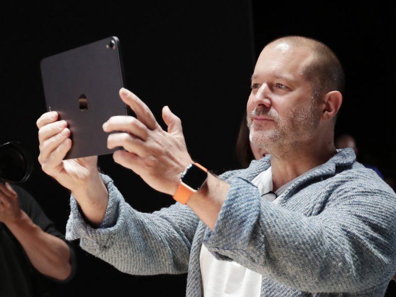 """Iš """"Apple"""" traukiasi vyriausiasis dizaineris, sukūręs """"iPhone"""" dizainą"""