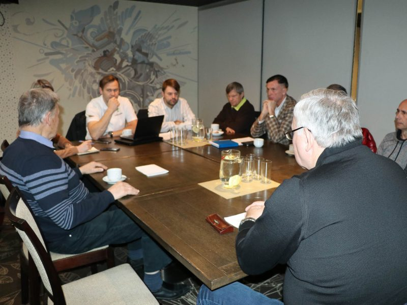 Paralimpinio komiteto parama – akmenslydžio rinktinei ir neregiui slidininkui