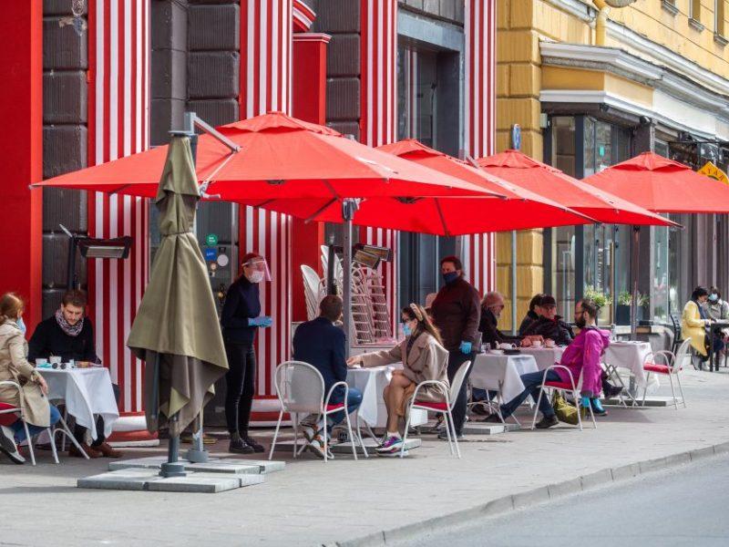 Griežtinami saugumo reikalavimai parduotuvėse, kavinėse, viešajame transporte