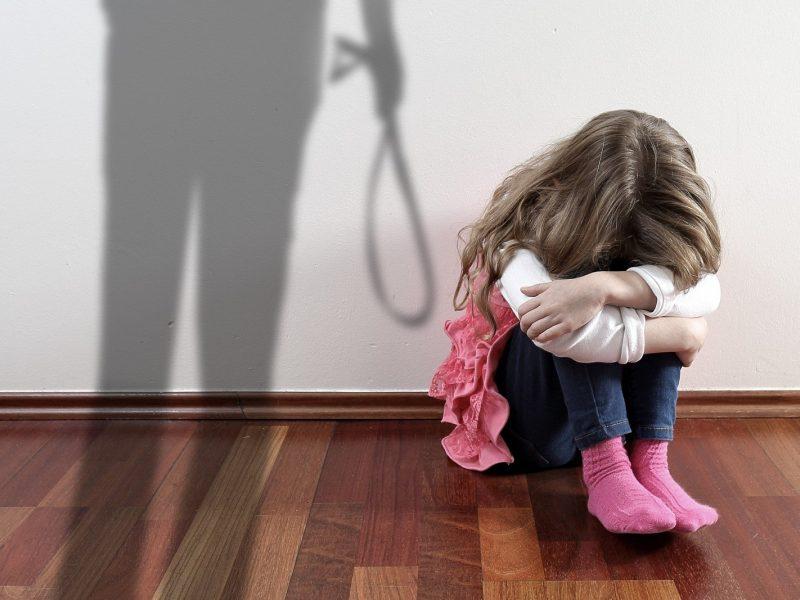 Mergaičių košmaras Radviliškyje: tėvas smurtavo prieš dukras