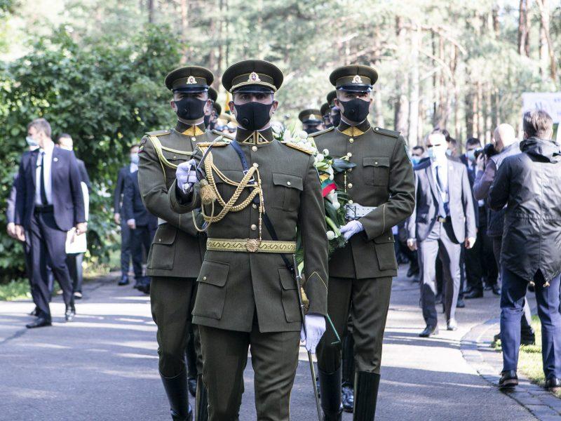 Genocido aukų pagerbimas Panerių memoriale