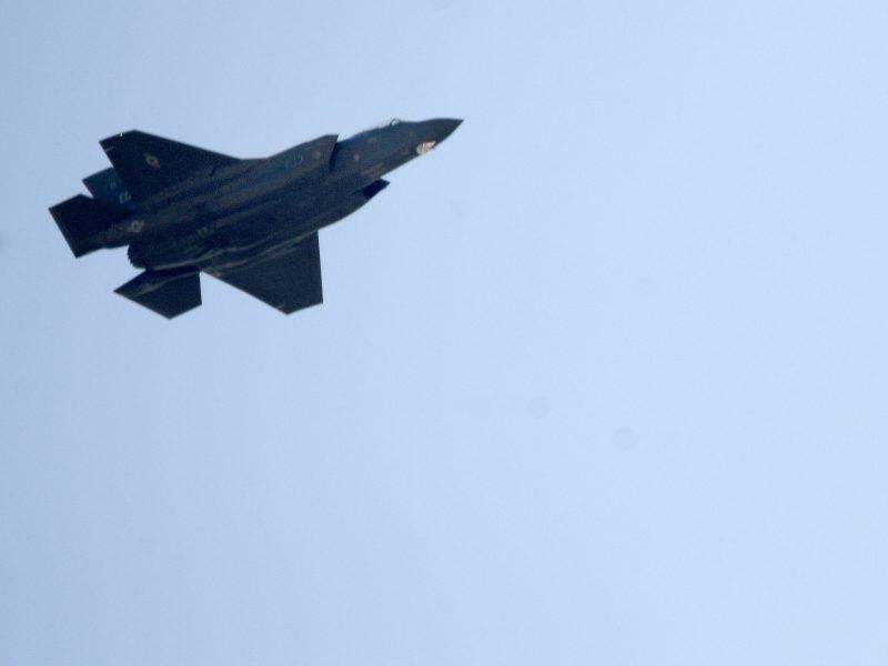 Vašingtonas: JAV ketina parduoti JAE modernių naikintuvų