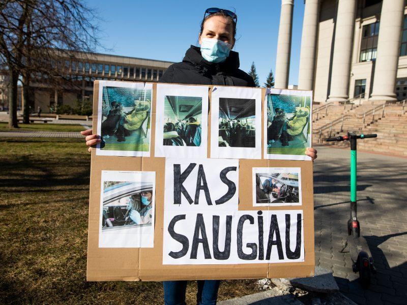 Prie Seimo – protestas dėl vairavimo egzaminų atnaujinimo